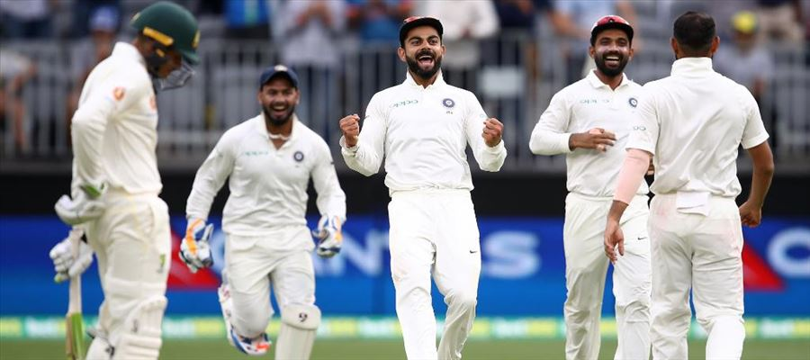 Australia inch closer to victory in the second test