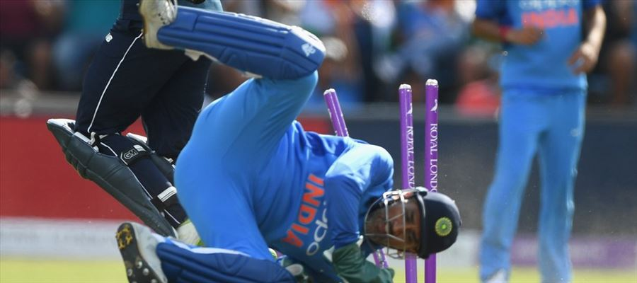 #ENGvsIND - India loses 3rd ODI Pathetically - Time for MS Dhoni to RETIRE?