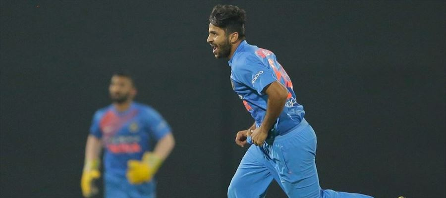 Thakur's 4-Wicket haul helps India to win against Sri Lanka