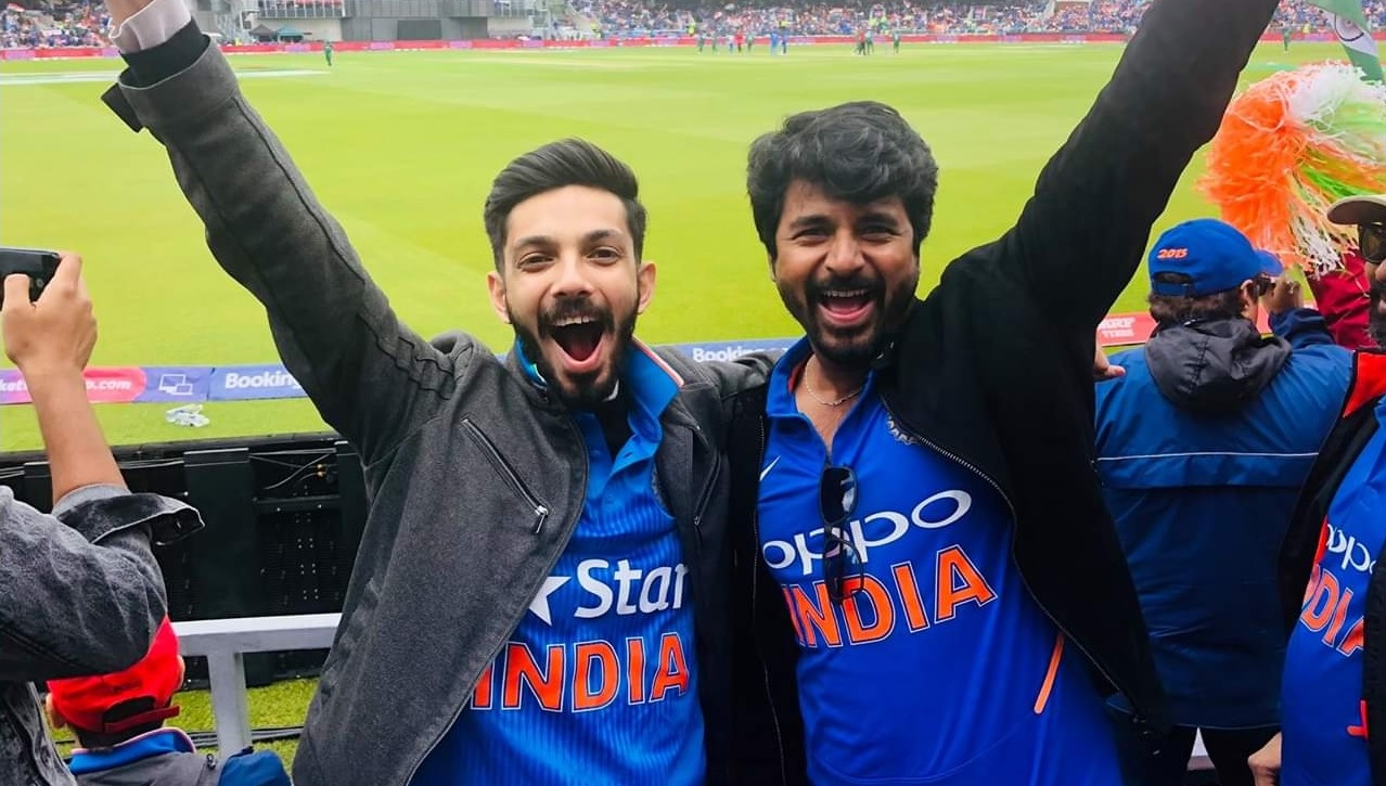 Anirudh And Sivakarthikeyan Enjoying India Pakistan World Cup Match At Old Trafford